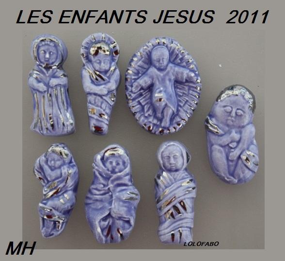 2011-les-enfants-jesus-les-bebes-emmaillotes-bleus-2012p90-mh-sortie-2011.jpg